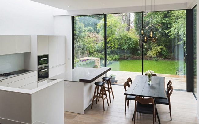 Jardines con Hi-Finity de diseño minimalista